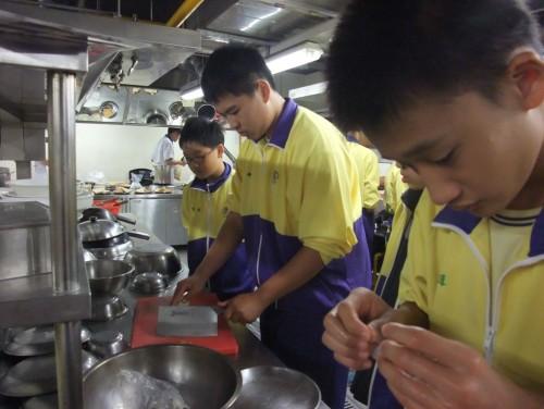 20131115八年級職校參訪(滬江高中)